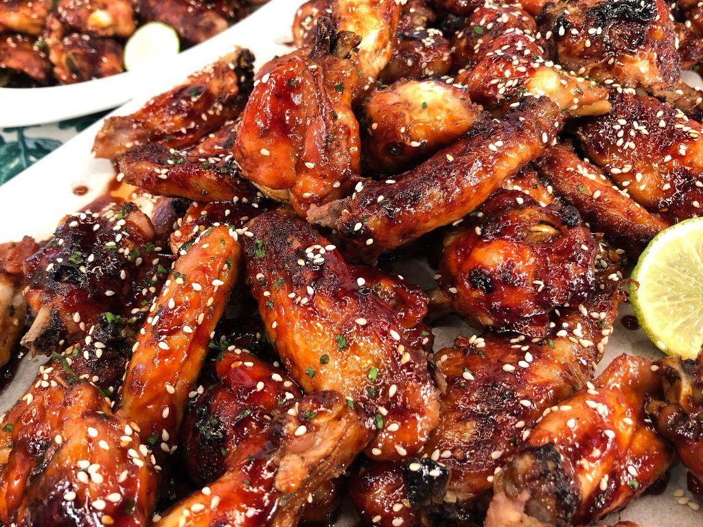Γλασαρισμένες φτερούγες κοτόπουλου με μέλι, τζιντζερ και λαιμ | Λάμπρος Βακιάρος