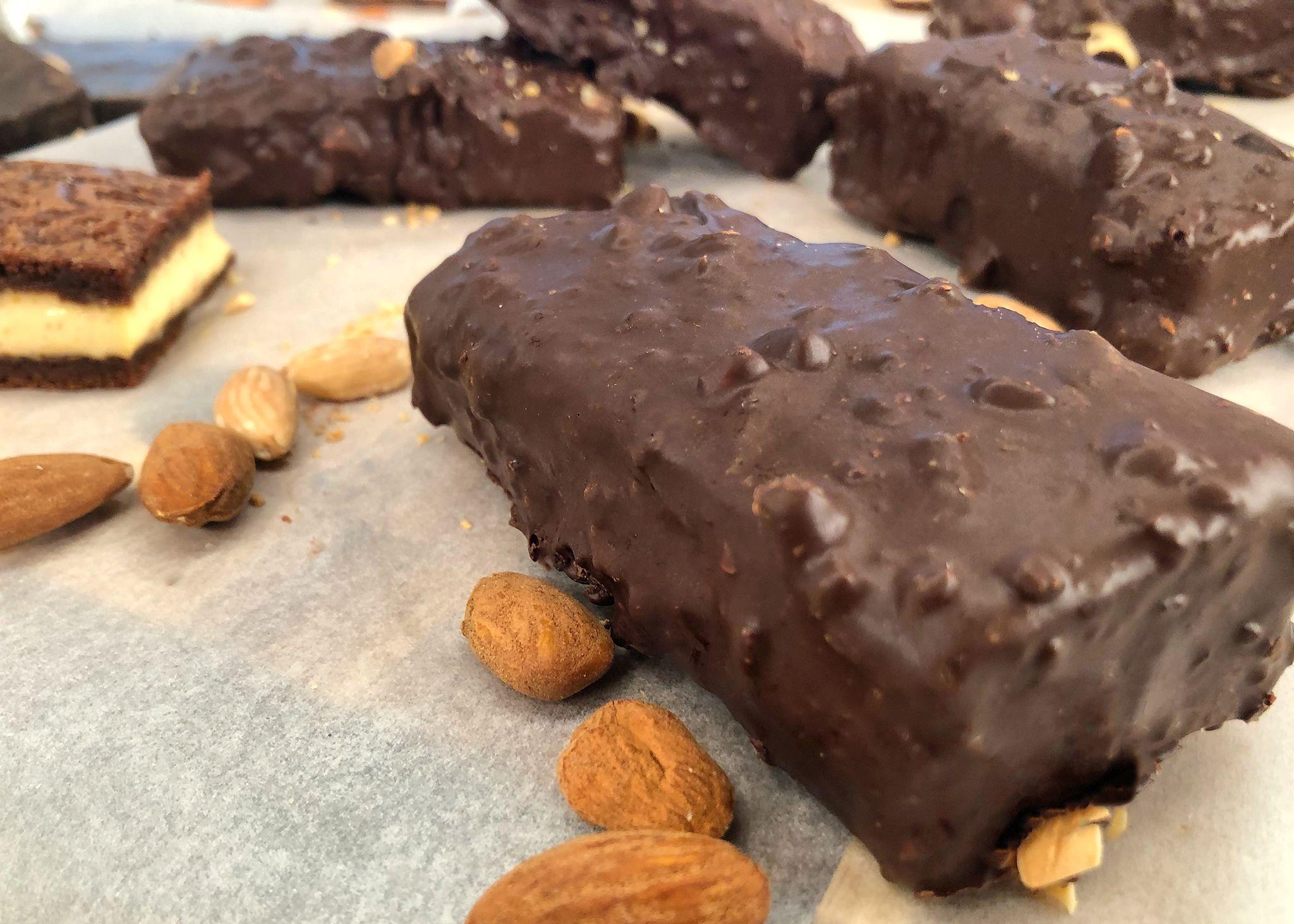 Παγωτό Σάντουιτς Βανίλια με Επικάλυψη Σοκολάτας