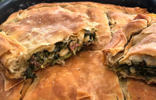 Αρωματική Πίτα με Αρνάκι και Πράσινα Λαχανικά