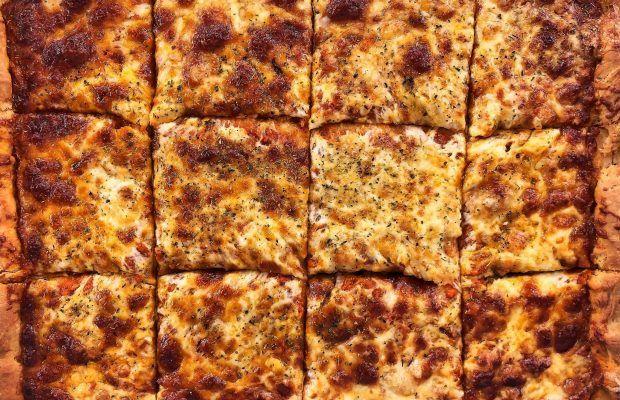 Πίτσα της γιαγιάς Λουκίας