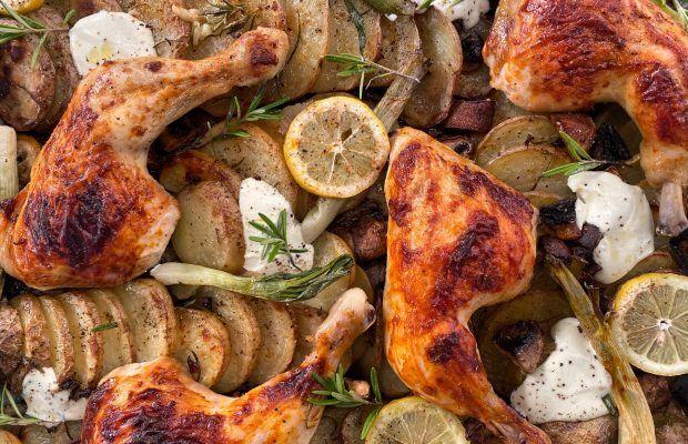 Μαριναρισμένο Κοτόπουλο στο Φούρνο με Πατάτες και Μανιτάρια