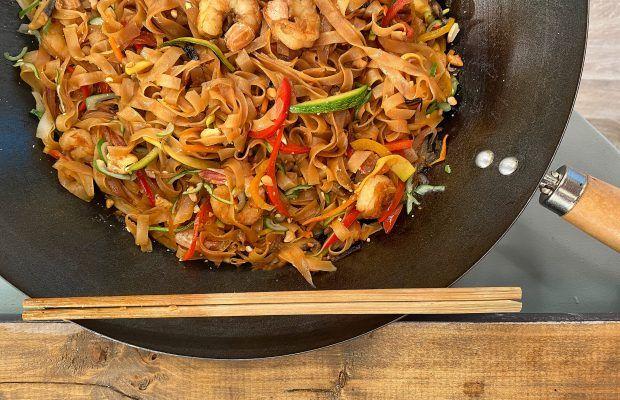 Νηστίσιμα Noodles Ρυζιού με Γαρίδες και Γλυκόξινη Σάλτσα