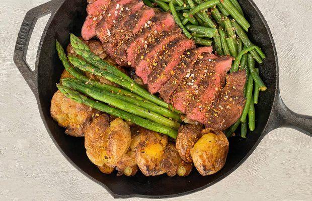 Flat Iron Steak με Πατάτες και Σπαράγγια Λάμπρος Βακιάρος