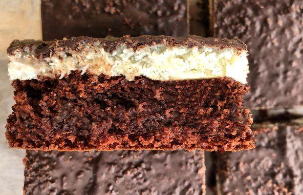 Κέικ Βρώμης με Καρύδα και Σοκολάτα | Λάμπρος Βακιάρος