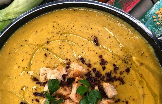 Θρεπτική Σούπα Βελουτέ με Λαχανικά, Φάβα και Τραγανό Μπέικον | lΛάμπρος Βακιάρος
