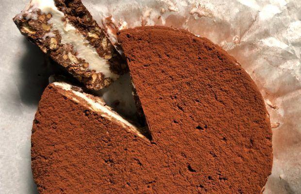Μωσαικό γεμιστό με παγωτό και φουντούκια