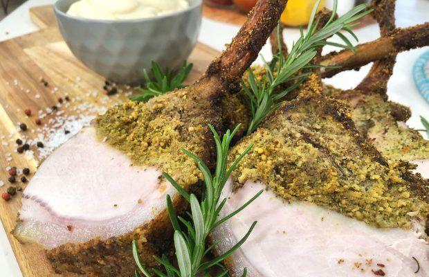 Χοιρινό καρέ σε κρούστα μαιντανού και πουρέ σελινόριζας | Λάμπρος Βακιάρος